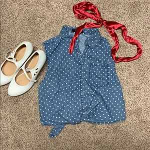 Tops - Pin up look! Polka dot button up!